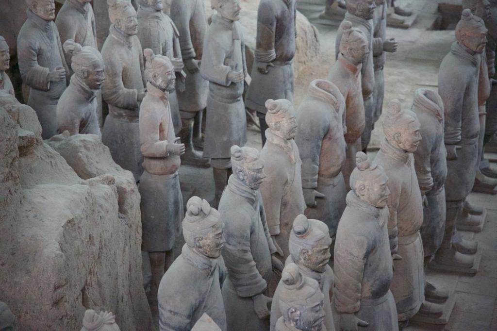 Terekottasoldater ved gravplassen til keiser Qin Shi Huangdi. Foto.