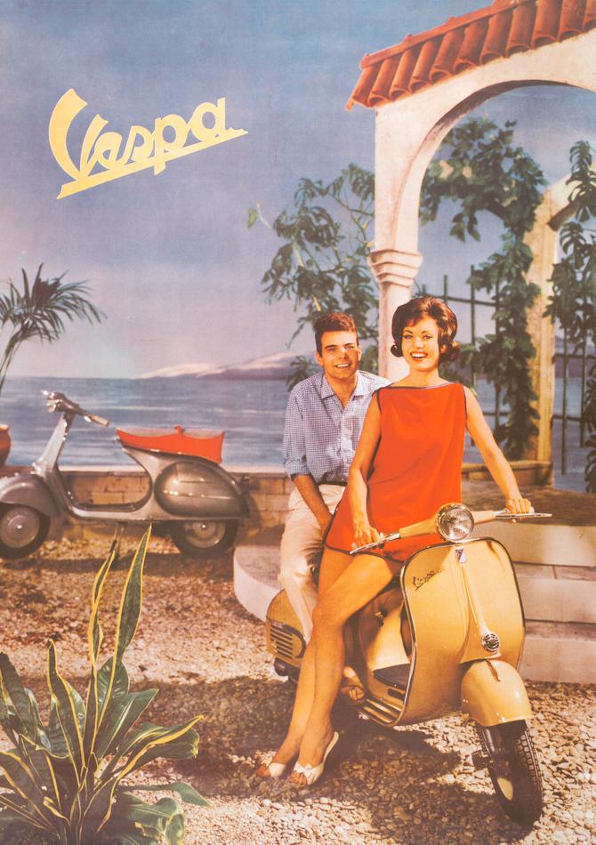 Kvinne og mann på en moped av merket Vespa. Reklameplakat.