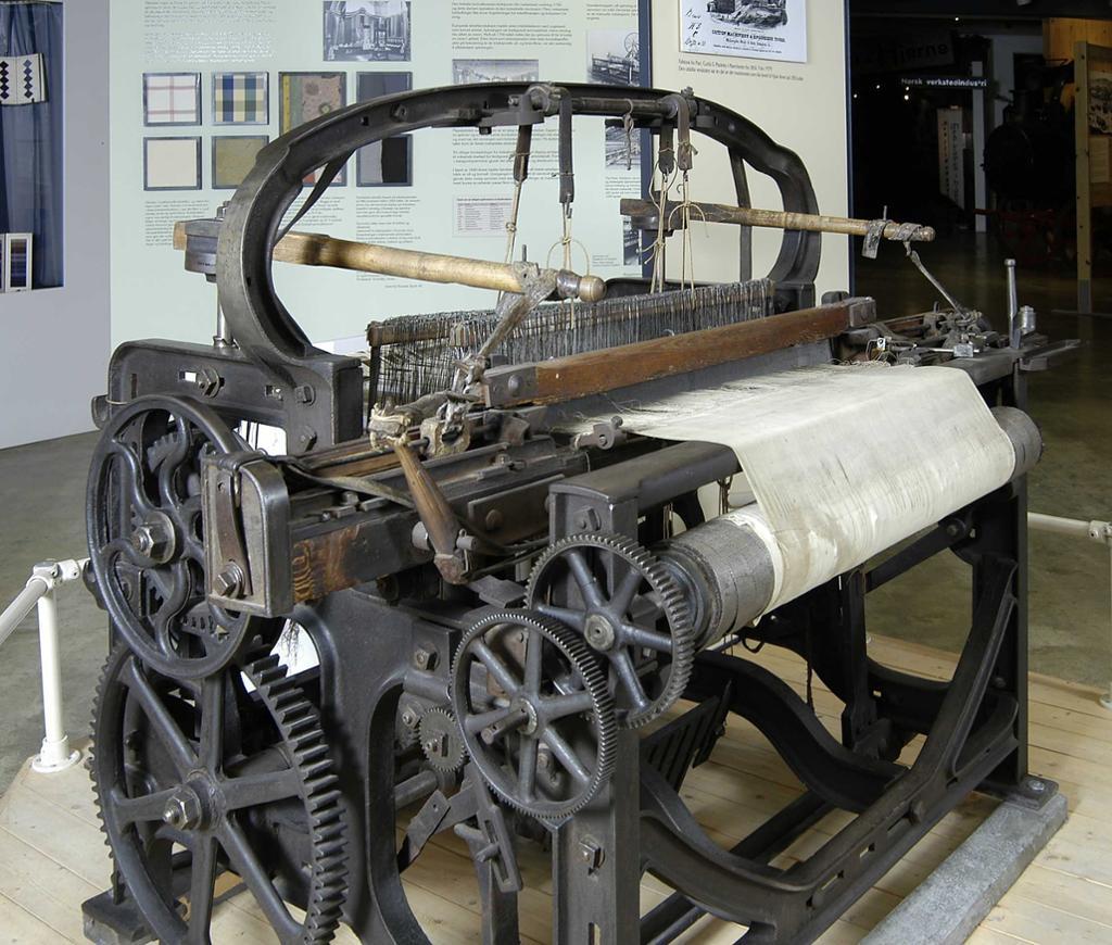 Vevstol i utstillingen på Norsk Teknisk Museum. Foto.